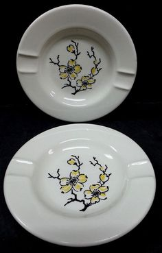 Stetson Marcrest Dixie Dogwood Ash Trays by Snowyowltreasures