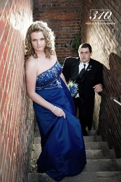 Couples Pose for Proms | ... last year of a couple from North Johnston and Princeton High School