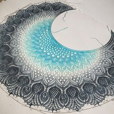 Ravelry: Scottish Thistles (Nova Scotia) pattern by Anne-Lise Maigaard Débardeurs Au Crochet, Crochet Patron, Crochet Crafts, Crochet Stitches, Free Crochet, Crochet Granny, Hand Crochet, Crochet Shawls And Wraps, Knitted Shawls