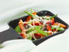 Zuckerschoten-Paprika-Raclette ist ein Rezept mit frischen Zutaten aus der Kategorie Hülsenfrüchte. Probieren Sie dieses und weitere Rezepte von EAT SMARTER!