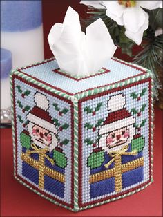 Plastic Canvas - Christmas Patterns - Santa Tissue Cover