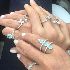 I want to hold your hand.....and all the Paraibas and diamond rings on it @karolinakurkova #somethingblue #vinecollection #grazielagems #kkstyle #finejewelry #celebrityjewelry