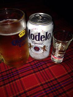 Modelo Especial... Con un caballito de tequila. San José del Cabo
