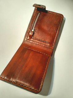 Unusual and extraordinary Men's Leather Wallet