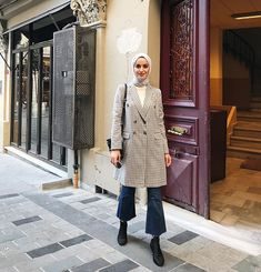 in 2020 ? in 2020 Muslim Fashion, Modest Fashion, Fashion Outfits, Womens Fashion Online, Latest Fashion For Women, Modest Dresses, Modest Outfits, Modern Hijab, Hijab Fashion Inspiration