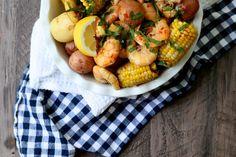 Easy Summer Shrimp Boil   http://joythebaker.com/2015/07/easy-summer-shrimp-boil/