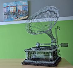gramophone Wire Art Sculpture, Diy Crafts, Big, Wire, Homemade, Diy Home Crafts, Diy Projects, Do It Yourself Crafts, Diy Artwork