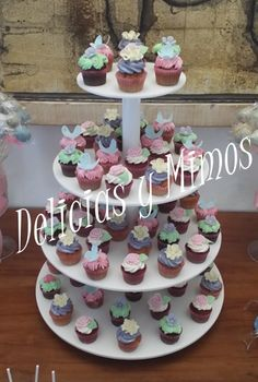 Cupcakes buttercream Palma de Mallorca Minis, Chocolate, Cupcakes, Desserts, Food, Birthday Cake, Candy Stations, Food Recipes, Postres