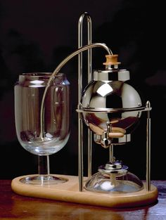 Il Cafetino by Royal Coffee Maker company. A variation on the syphon coffee system. Coffee + Science = Delicious!