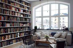 Bücherregal Hintergrund schwarz
