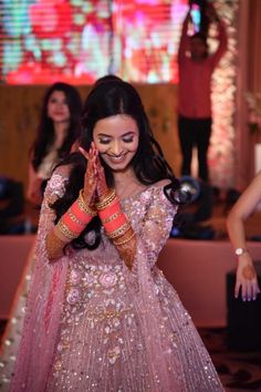 This Cross Culture Wedding Had The Most Gorgeous Couple Outfits & Bridal Jewellery To Swoon Over - Witty Vows Indian Wedding Makeup, Best Bridal Makeup, Wedding Makeup Looks, Hair And Makeup Artist, Makeup Artists, Red Wedding Lehenga, Cute Couple Outfits, Desi Bride, Pink Gowns