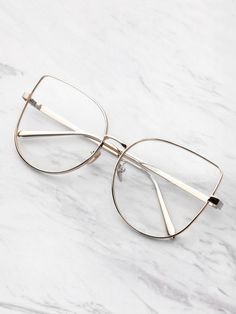 Online shopping for Flat Lens Cat Eye Glasses from a great selection of women's fashion clothing & more at MakeMeChic. Glasses Frames Trendy, Cool Glasses, Glasses Sun, Fashion Eye Glasses, Cat Eye Glasses, Eye Glasses Online, Glasses Trends, Lunette Style, Accesorios Casual