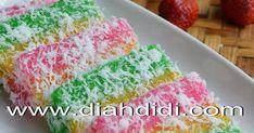 Blog Diah Didi berisi resep masakan praktis yang mudah dipraktekkan di rumah. Velvet Cake, Red Velvet, Diah Didi, Dessert Recipes, Desserts, Food And Drink, Bread, Traditional, Cakes
