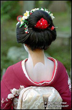 Women Japanese Geisha Black Wig with Bun Halloween Cosplay Party Costume HW-1715