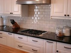 Here Is An Example Of Good Hardware Placement The Knobs On The Upper Cabinets