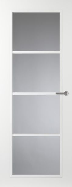 Moderne of klassiek,strakke houten kwaliteits binnendeuren inclusief witte aflak. Met of zonder glas. Op zoek naar dit soort deuren? Kom een keertje langs in de showroom voor persoonlijk advies of neem een kijkje op de site!