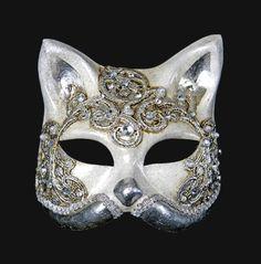 Google Image Result for http://www.cartaalta.com/macrame_masks/488-mask_gatto_macrame_craquele_silver.jpg