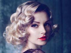Imagen peinados-pin-up-rubia-ojos-azules del artículo Más de 50 Fotos de Peinados Pin Up 2016