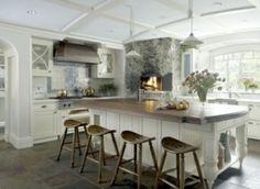 Wunderschöne Ideen für Kücheninsel mit Sitzplätzen in Weiß