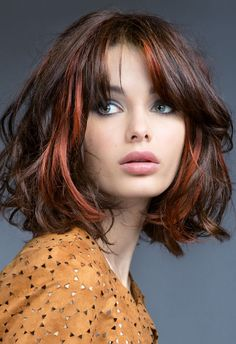 For those looking for a different style: Red blond hairstyles If you want to have your hair dyed and cut or make changes to your red hair, this is for you! Autumn means changing hair color and. Blonde Haircuts, Bob Hairstyles, Wavy Hair, Dyed Hair, Blunt Hair, Burgundy Red Hair, Medium Hair Styles, Curly Hair Styles, Layered Hair
