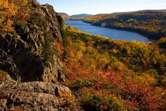 Lake of the Clouds in #autumn, Porcupine Mountains Wilderness State Park, #Michigan. #fall