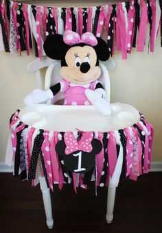 minnie mouse *If placing an order between - production time will be 2 WEEKS.* Minnie Mouse Inspired Garland Add a special touch to your Minnie Mouse Party with a Minnie ins Minnie Mouse Party, Minnie Mouse First Birthday, Disney Birthday, 1st Birthday Girls, Mouse Parties, First Birthday Parties, Disney Parties, Birthday Ideas, Minnie Mouse Birthday Decorations