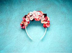 Vinchas con flores coronada! Spring its comming...and you find flower crowns in Coronada!