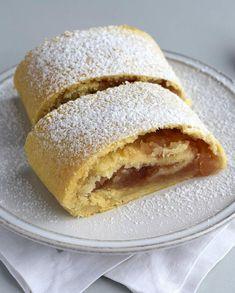 Hrnkový štrúdl s jablky » MlsnáVařečka.cz Bread, Breakfast, Ethnic Recipes, Food, Breads, Hoods, Meals, Bakeries
