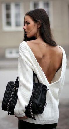 Πουλόβερ: 5 τρόποι να φορέσετε το πιο ζεστό ρούχο του χειμώνα  thetoc.gr