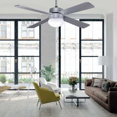 Light fan Tramontana with three speeds operated by remote control included. Central light point of bulbs and inverse function. Ceiling Fans, Ceiling Lights, Room Dimensions, Bedroom Styles, Classic Style, Remote, Dining Table, Seasons, Living Room