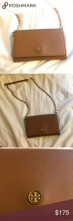 Tory Burch Robinson Wallet on a Chain / Crossbody Tiger's eye / tan color crossbody bag. Chain is detachable. Logo and chain have scruff marks from use Tory Burch Bags Crossbody Bags