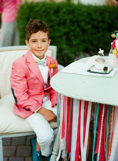 Photography: Liz Banfield - lizbanfield.com  Read More: http://www.stylemepretty.com/2014/08/29/inspiration-for-the-littlest-members-of-the-wedding-party/