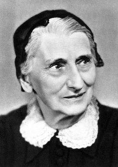 Terézia Vansová (* 18. apríl 1857, Zvolenská Slatina – † 10. október 1942, Banská Bystrica) bola slovenská spisovateľka, predstaviteľka prvej generácie realizmu na Slovensku, zakladateľka ženského časopisu Dennica, funkcionárka Živeny, podporovateľka ochotníckeho divadla a etnografka.