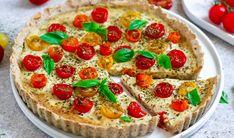 Vegan Tomato and Basil Quiche Quiche Recipes, Veggie Recipes, Gluten Free Recipes, Vegetarian Recipes, Snack Recipes, Veggie Meals, Gluten Free Quiche, Vegan Quiche, Savory Pastry