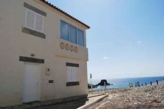 Schau dir mal diese Unterkunft bei Wimdu an! Beach House in Zambujeira do Mar