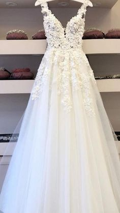Hochzeitskleid - New Ideas White Wedding Dresses, Bridal Dresses, Wedding Gowns, Boho Wedding, Wedding Ideas, Pretty Dresses, Beautiful Dresses, Beautiful Beautiful, Beautiful Pictures