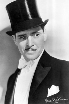 "matineemoustache: "" Ronald Colman in Raffles "" Hollywood Men, Old Hollywood Glamour, Hollywood Fashion, Golden Age Of Hollywood, Classic Hollywood, Hollywood Style, Ronald Colman, Classic Movie Stars, Classic Movies"