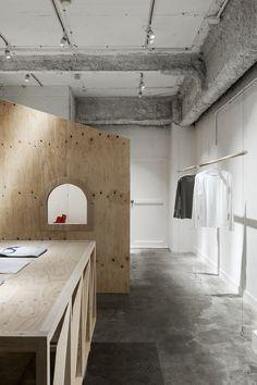 #Reiichi #Ikeda #store #design #interiors #interiordesign #interior #design #concrete #plywood