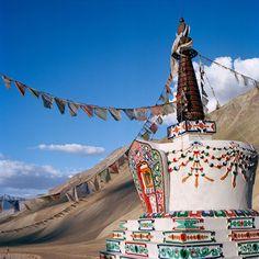 Stupa di Padum Zanskar India 2012 di DaughtersofBuddha su Etsy