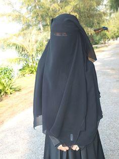 Niqab Fashion, Muslim Fashion, Girly M Instagram, Face Veil, Hijab Niqab, Hijabi Girl, Plastic Pants, Islamic Clothing, Muslim Women