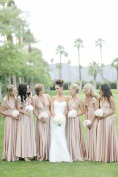 Exotische Landschaft Brautjungfern mit der Braut Mode Kleider Stoffe