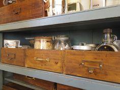 古道具が光る! レトロモダンなキッチン空間を作るヒント   マイナビニュース