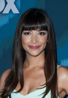 Hannah Simone Long Straight Cut with Bangs - Hannah Simone stuck to her signature blunt bangs when she attended the Fox All-Star party.