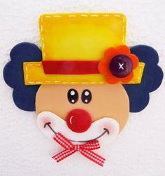Enfeite de mesa  EVA ou feltro....pode espetar no palito e colocar embaixo uma caixinha com doces
