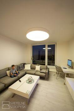 Svetelný strop CIR 1200 prisadený v bielom dekóre. Bratislava, Corner Desk, Conference Room, Table, Furniture, Home Decor, Corner Table, Decoration Home, Room Decor