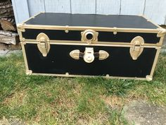 Refurbishing a vintage trunk