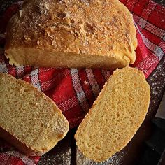 No Knead bread (gluten free) (in Romanian) Dairy Free Recipes, Baking Recipes, No Knead Bread, Gluten Free Muffins, Allergy Free, Quick Bread, Different Recipes, Bread Baking, Hot Dog Buns