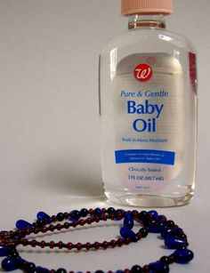 use baby oil to untangle a chain! - who knew? 11 Unusual Uses for Baby Oil Untangle Necklace, Baby Oil Uses, Gentle Baby, What To Use, Peanut Oil, Keep Jewelry, Diy Jewelry, Baby Powder, Jewelry Photography