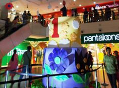 Starcentres is a specialist shopping centre development & management firm, with a series of branded retail environments under its umbrella. The company is backed by India's largest retail player, the Future Group.