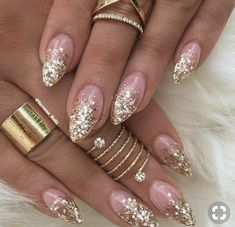 48 Gorgeous Nail Choices For Whether you enjoy a natural manicure, gel nails, or acrylic nails Perfect Nails, Gorgeous Nails, Stiletto Nails, Glitter Nails, Acrylic Nail Designs, Acrylic Nails, Cute Nails, Pretty Nails, Hair And Nails